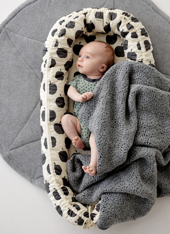 Star rug, baby nest & blanket
