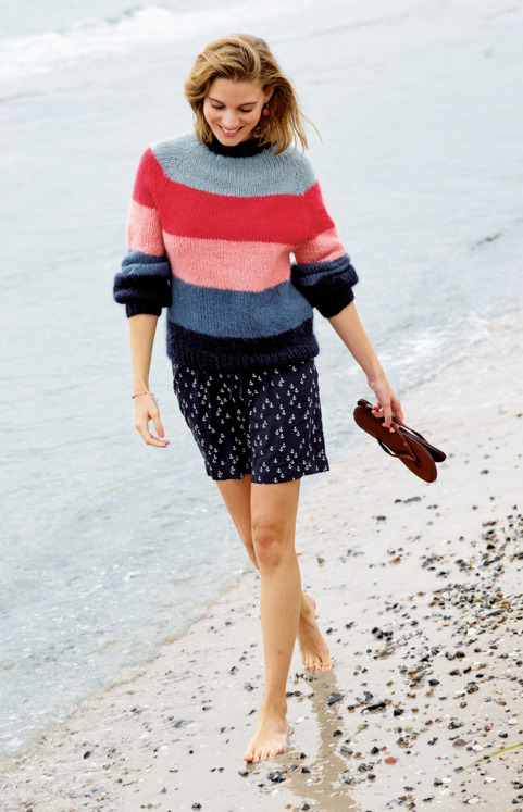 Striped knitted sweater and wide shorts