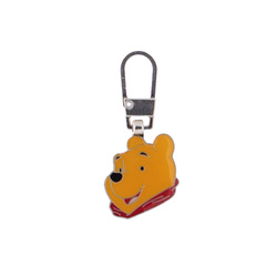 Zipper-pend. WINNIE THE POOH 20x18mm 1pc