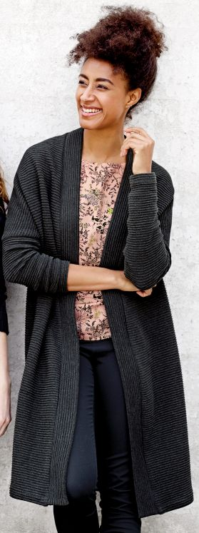 Cardigan, blouse og trousers