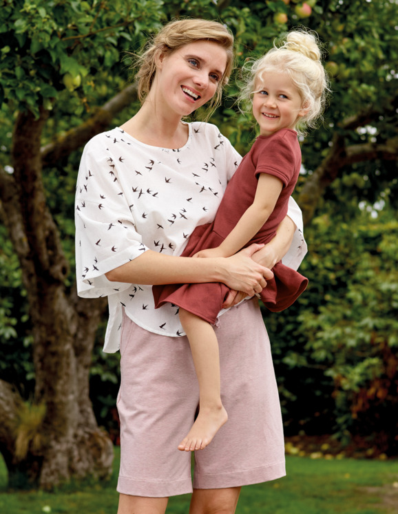Organic summerclothing for mom and daughter
