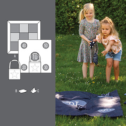 "Play mat and ""pea bags"""