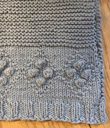 KNITTED DOLL'S BLANKET
