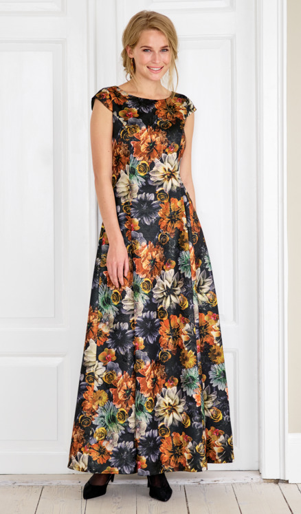 Long dress in floral jacquard