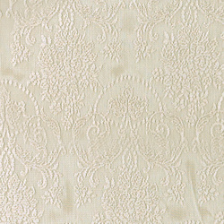 Lace creme w mussel edging