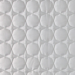 Quilt lt grey microfiber w hexagon