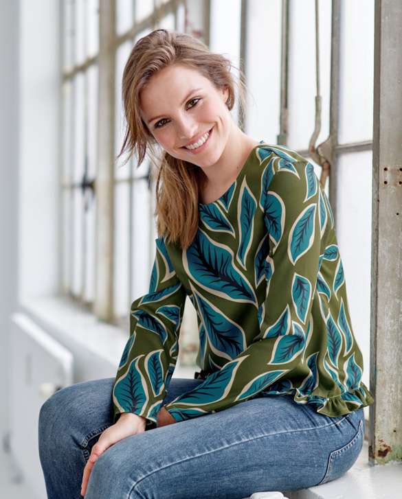 Blouse in woven twill