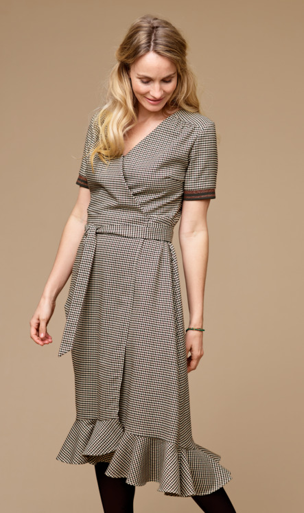 Wrap around dress in yarndyed checks